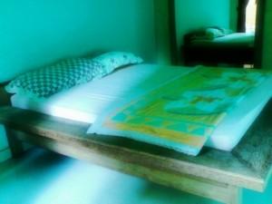 Kamar Tidur Hotel Merta Sari